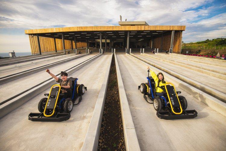 藉由重力加速,玩家可以輕鬆享受刺激的賽車樂趣。圖/9.81重力賽車公園提供