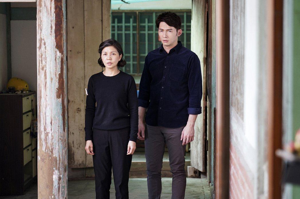 溫昇豪(右)、于子育。圖/華視提供