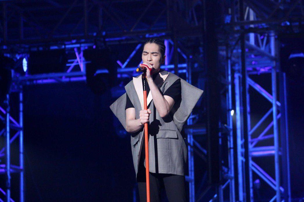 蕭敬騰31日在香港突然變感性。圖/華納音樂提供