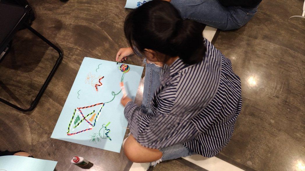 這位參加「2019年癌症希望基金會種子營」的孩子魚畫在海鷗上,想說的是:「魚不一...