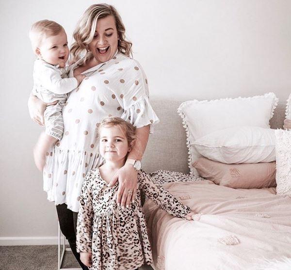 現年28歲、育有一子一女的澳洲媽媽卡門・史壯是收納專家。圖/取自Instagra...