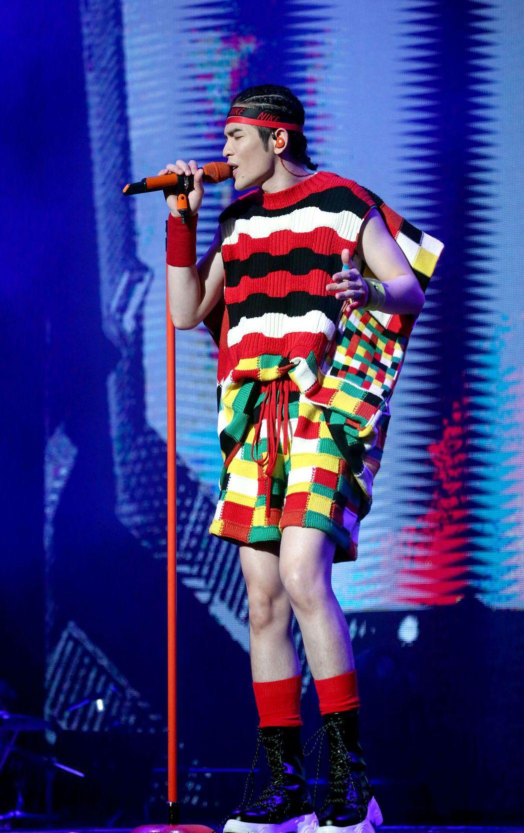 蕭敬騰在香港成功完成2場演唱會。圖/華納音樂提供
