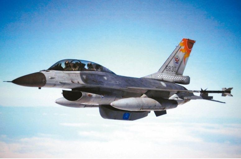 圖為空軍RF-16鳳眼機示意。翻攝自空軍資料檔 照