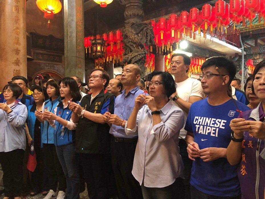 高雄市長韓國瑜今天到彰化溪州后天宮參拜。記者林敬家/攝影