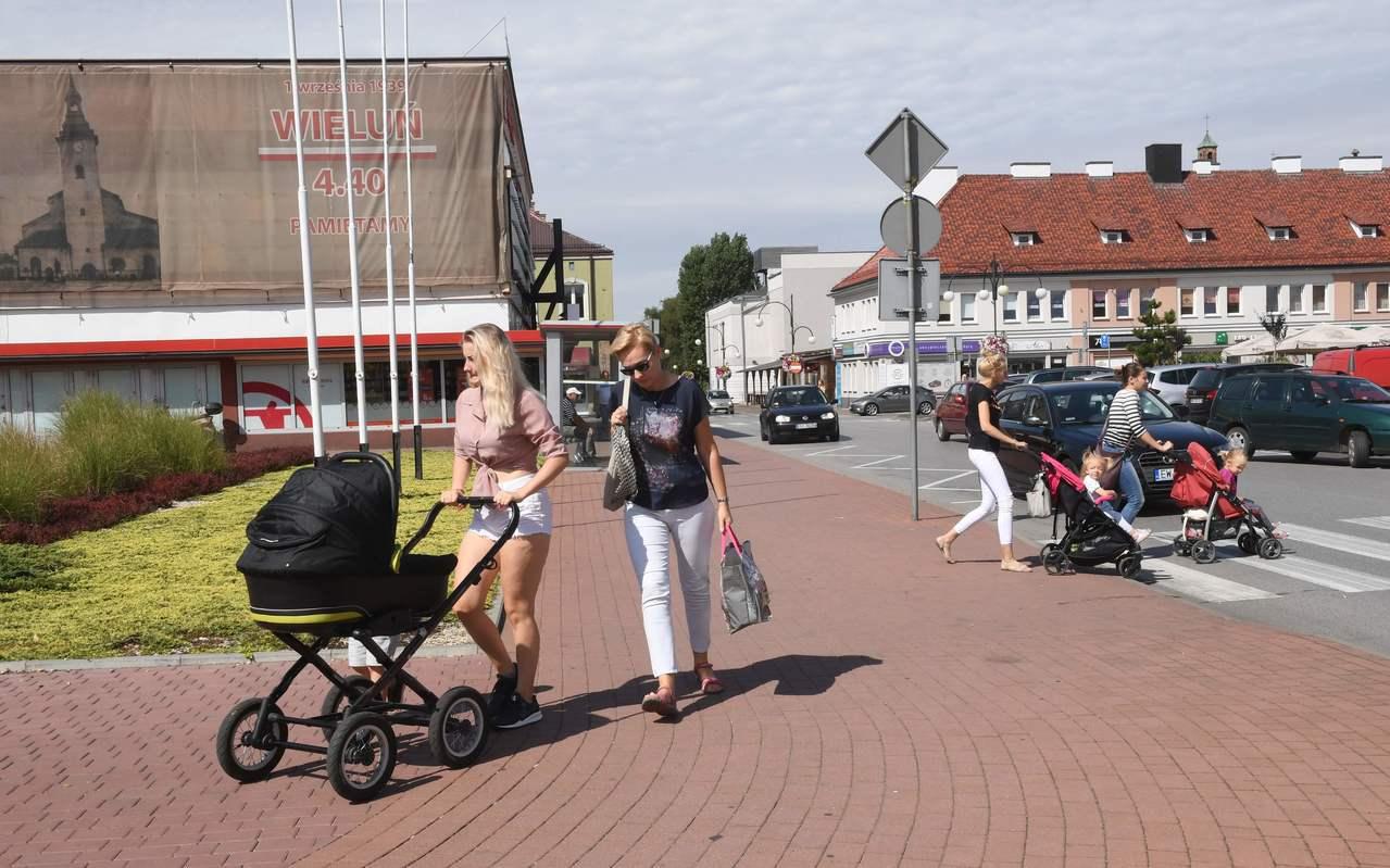 圖為現時維隆小鎮的一部分街景。法新社