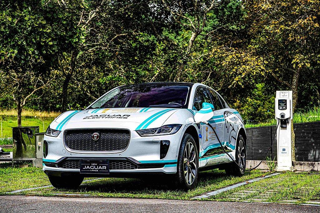 Jaguar I-PACE從外觀造型、空間塑造、底盤架構至電能系統,完美融合Ja...