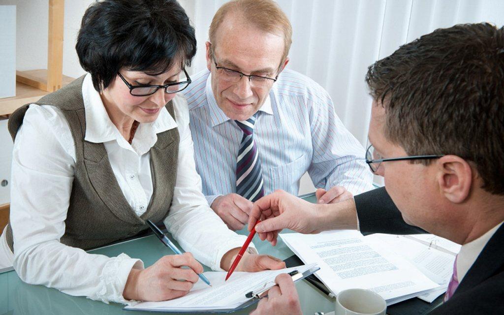 一般保險年紀愈大投保,保費愈高,附身故保證型年金則是採用單一費率。  圖/報系...