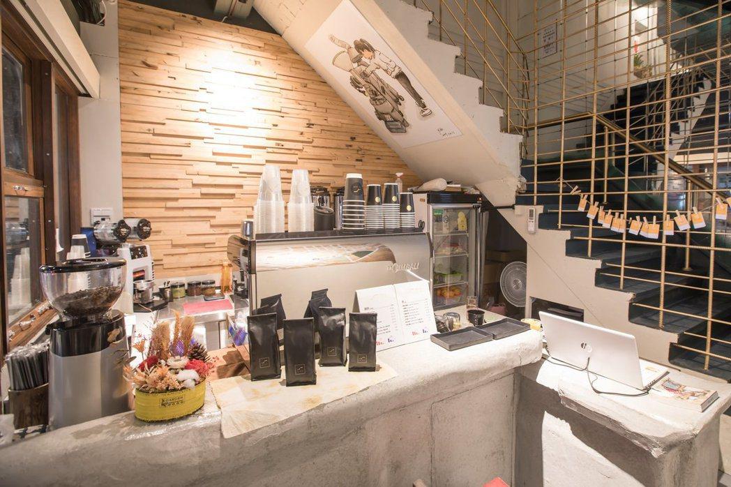 一樓旅店櫃檯結合鷗咖啡外帶店 業者/提供