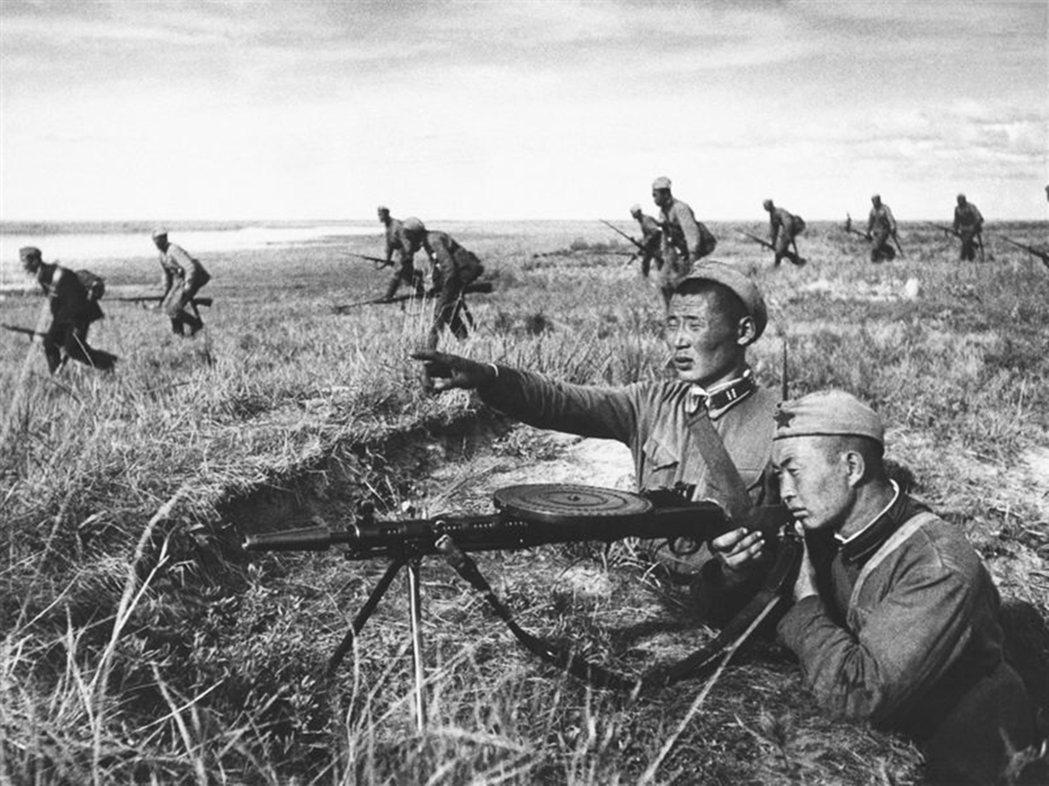 1939年二戰爆發前夕,日本為了一探蘇聯的實力,由關東軍發動諾門罕之役,雙方在蒙...