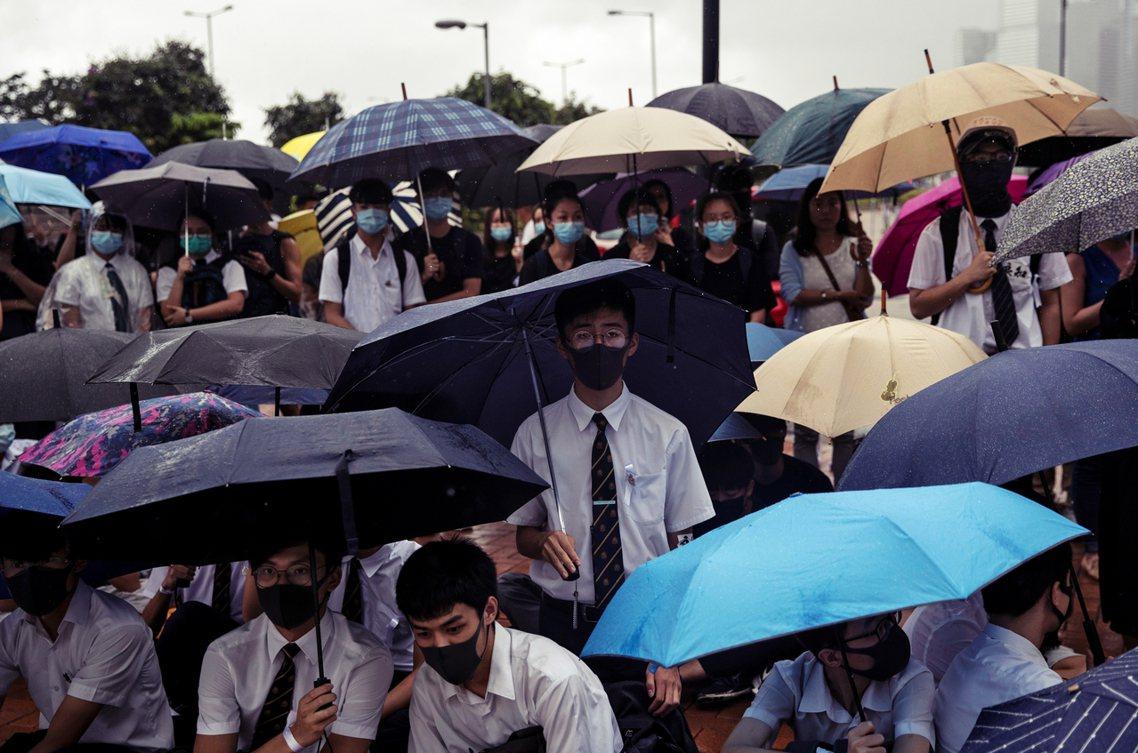 根據「中學生罷課籌備平台」主辦之一的「香港眾志」事前問卷統計,今日中午在愛丁堡廣...