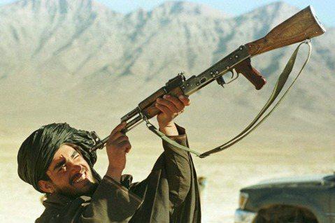 阿富汗塔利班,是怎麼崛起的?大眾對於1990年代由「阿富汗伊斯蘭國」到「阿富汗伊...