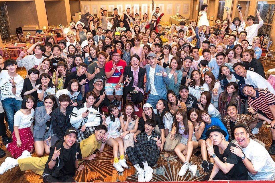 「大學生了沒」日前重聚一堂。圖/摘自臉書