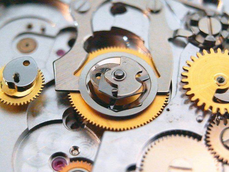 計時表的垂直離合結構複雜,維修難度高。 圖/曾士昕提供