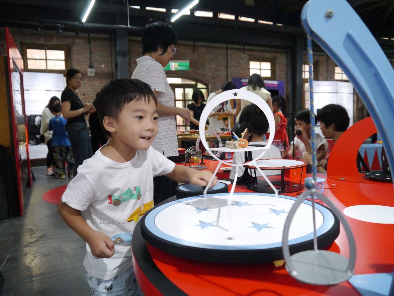 給孩子的開學收心操,台北華山「哇!馬戲團」倒數一周。圖/聯合數位文創提供