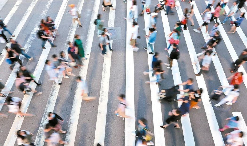 勞動部統計,截至8月底止,實施無薪假企業共計33家、實施人數2257人。圖為勞工...