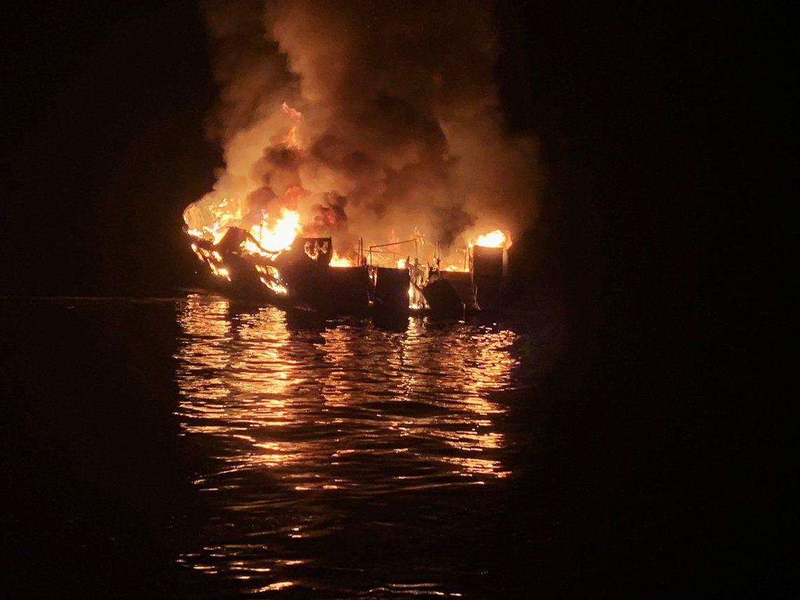 美國加州2日清晨發生嚴重的水上意外,一艘載有39人的潛水觀光船「概念號」(Con...