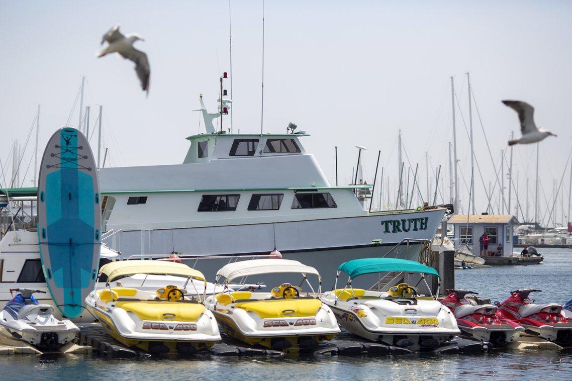 1981年下水的概念號,屬於加州船舶公司「Truth Aquatics」所有,是...
