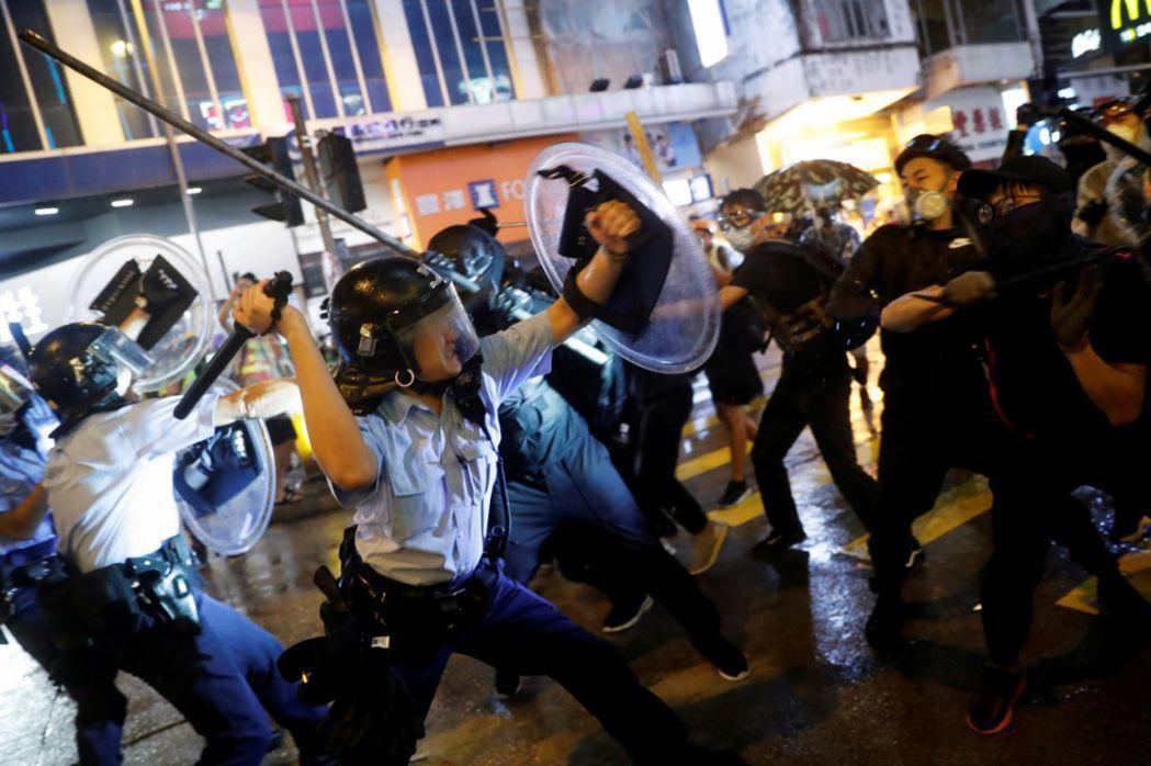 如果反送中的「暴力」性質與六四「暴亂」只有一步之遙,也就註定不存在任何對話管道的...