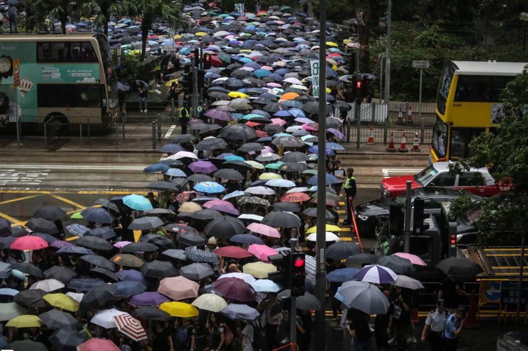 港府在逃犯條例提案後,始終低估香港民眾所累積的社會能量。 圖/歐新社
