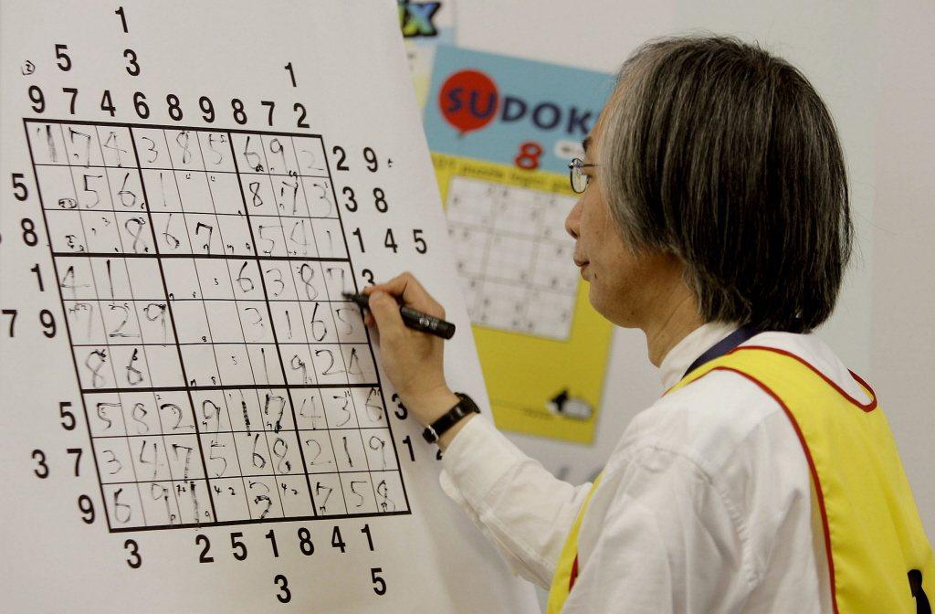 老年人愈常做腦力運動,腦部功能就愈好,特別是常玩數獨或填字遊戲,有助維持腦部正常...