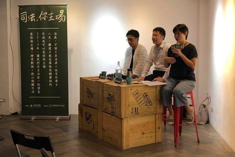 「台灣事實查核中心」的陳慧敏總編審表示,民間組織擔任假新聞查核的角色,似乎更值得信賴。 圖/作者提供