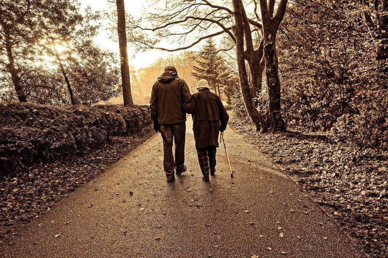 人在48歲時最不幸福!7件事提升中年幸福感