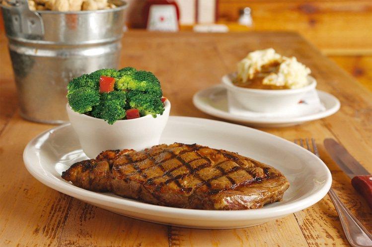 Texas Roadhouse德州鮮切牛排同日推出任選一客牛排享有第二客半價。圖...