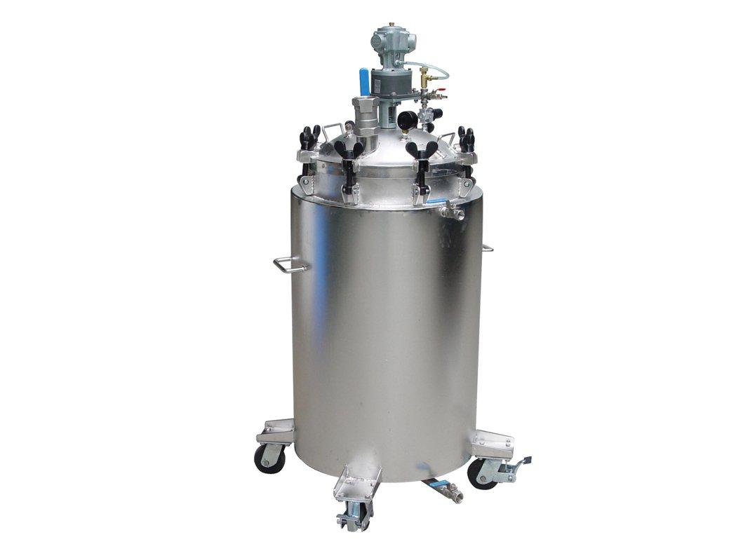 通又順公司設計生產雙層不鏽鋼耐高壓桶。 通又順氣動馬達公司/提供