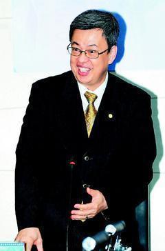 陳建仁認為老年生活要過得快樂,有夢想和目標讓自己忙碌很重要。 圖/本報資料照片
