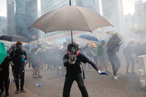 葉國豪/無濟於事的弦上之箭——香港「緊急法」能平息抗爭嗎?