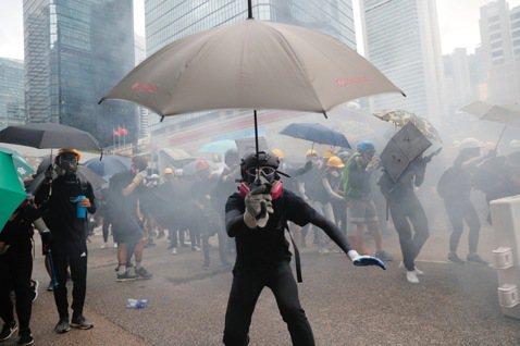 無濟於事的弦上之箭——香港「緊急法」能平息抗爭嗎?