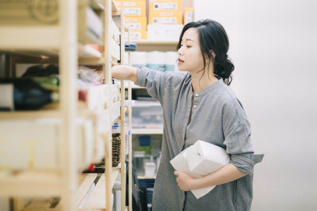 透過家務的收納整理,正是重新認識自己的機會。 圖/三采文化提供