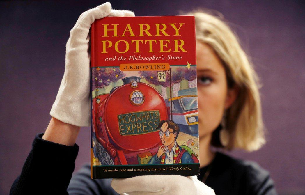 這不是《哈利波特》第一次被下架,早在2000年代就已經長年盤據「美國圖書館協會」...