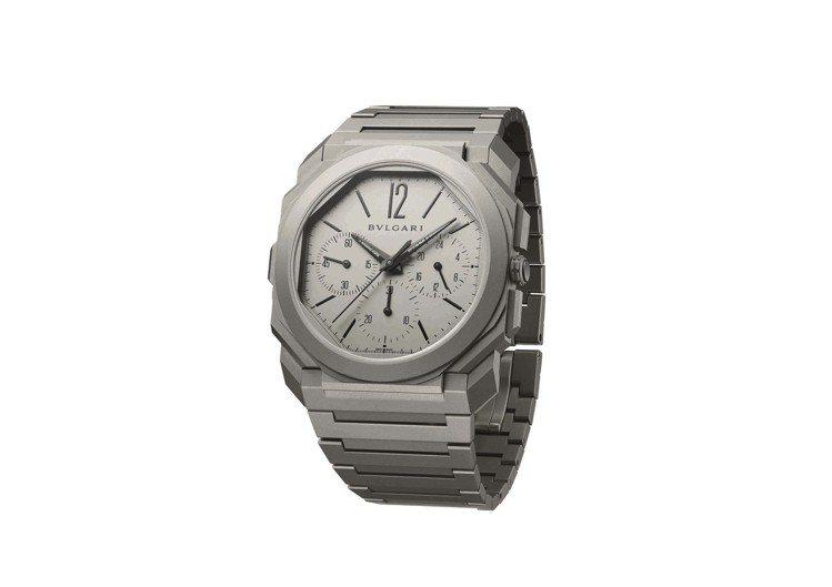 寶格麗Octo Finissimo超薄GMT計時碼表,鈦金屬表殼、表盤、表鍊,搭...