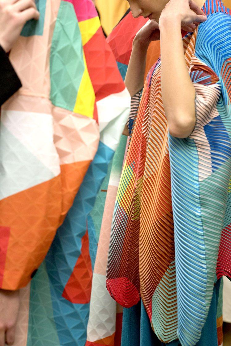 宮前義之擔任女裝設計師期間致力研發布料的可能性。圖/ISSEY MIYAKE提供