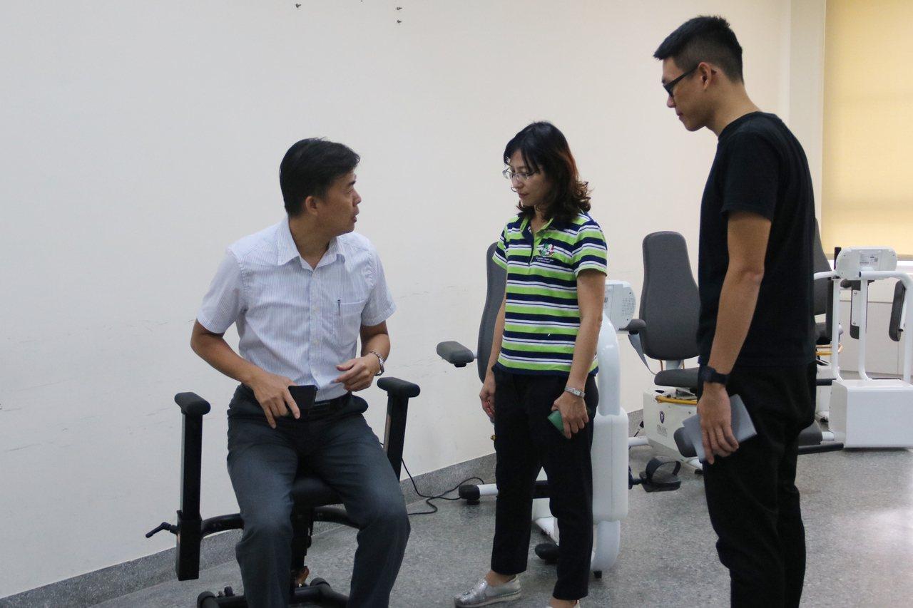 弘光科大將打造跨領域的長照物理治療菁英訓練基地,讓學生學習更快適應長照領域。記者...