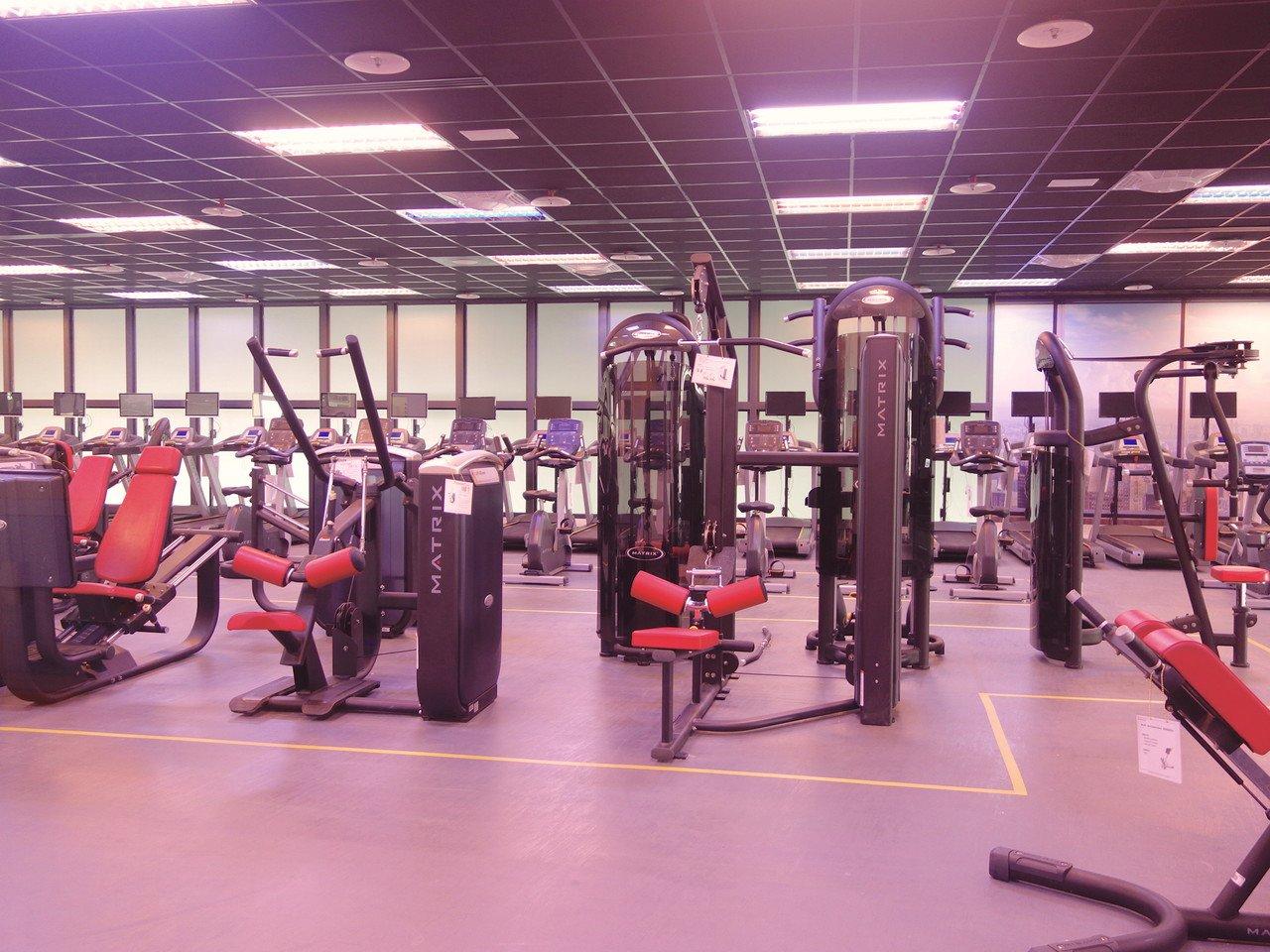 健身房內有許多器材,另還有全新竹第一座MX4訓練站。記者郭政芬/攝影