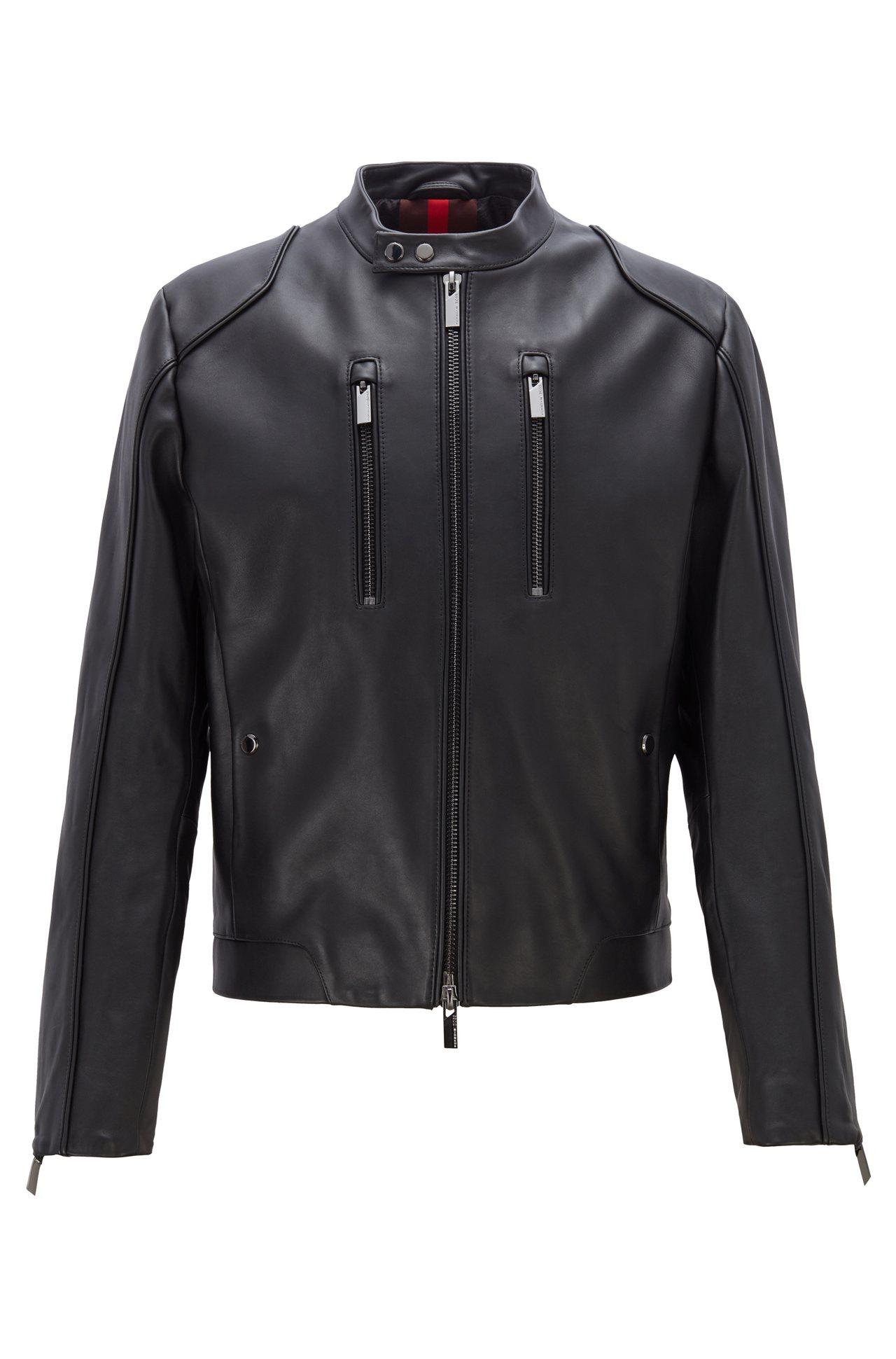 BOSS與保時捷聯名系列黑色真皮夾克,43,900元。