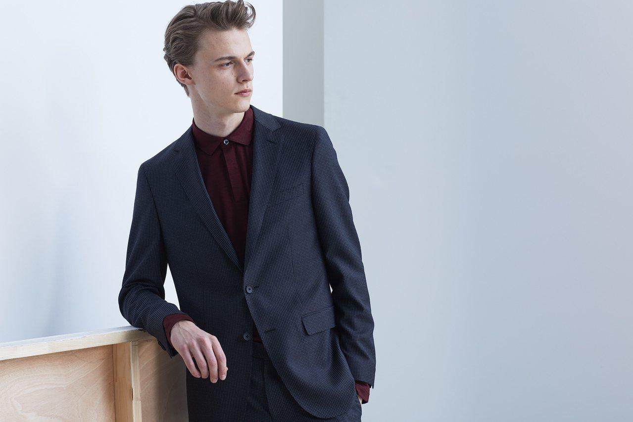 Traceable Wool系列西裝,也在這季推出新款,包括商務正裝及Smart...
