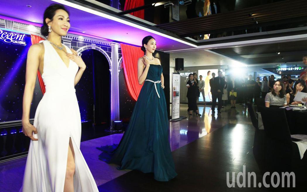 晶華酒店的「麗晶之夜」今日開跑,眾名模為珠寶走秀。記者陳正興/攝影
