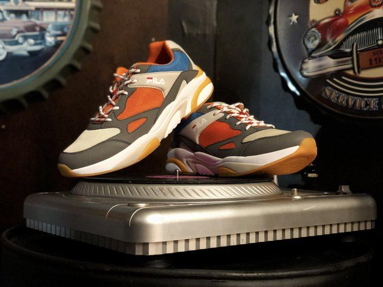「流行樂之王」逝世10周年,FILA推出紀念老爹鞋。圖/FILA提供