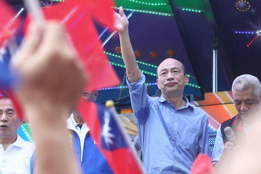 中國文化大學新聞系主任胡幼偉認為,韓國瑜(圖)回到「人民有錢」的論述主軸,才是能...