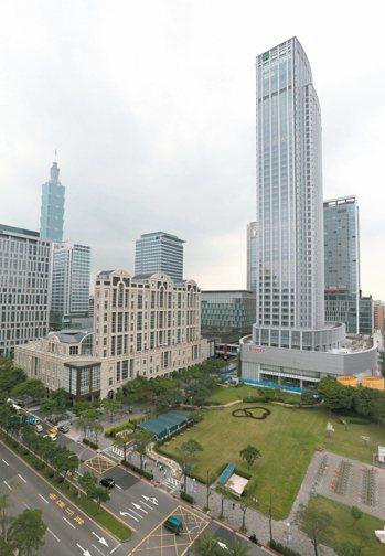 國泰置地廣場租金超越台北101。 本報系資料庫