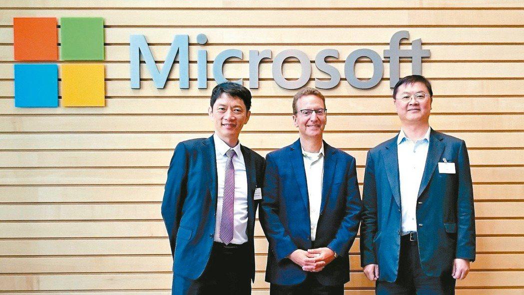 工研院與微軟攜手共拓AI晶片應用商機。左起為工研院電光系統所副所長張世杰、微軟全...