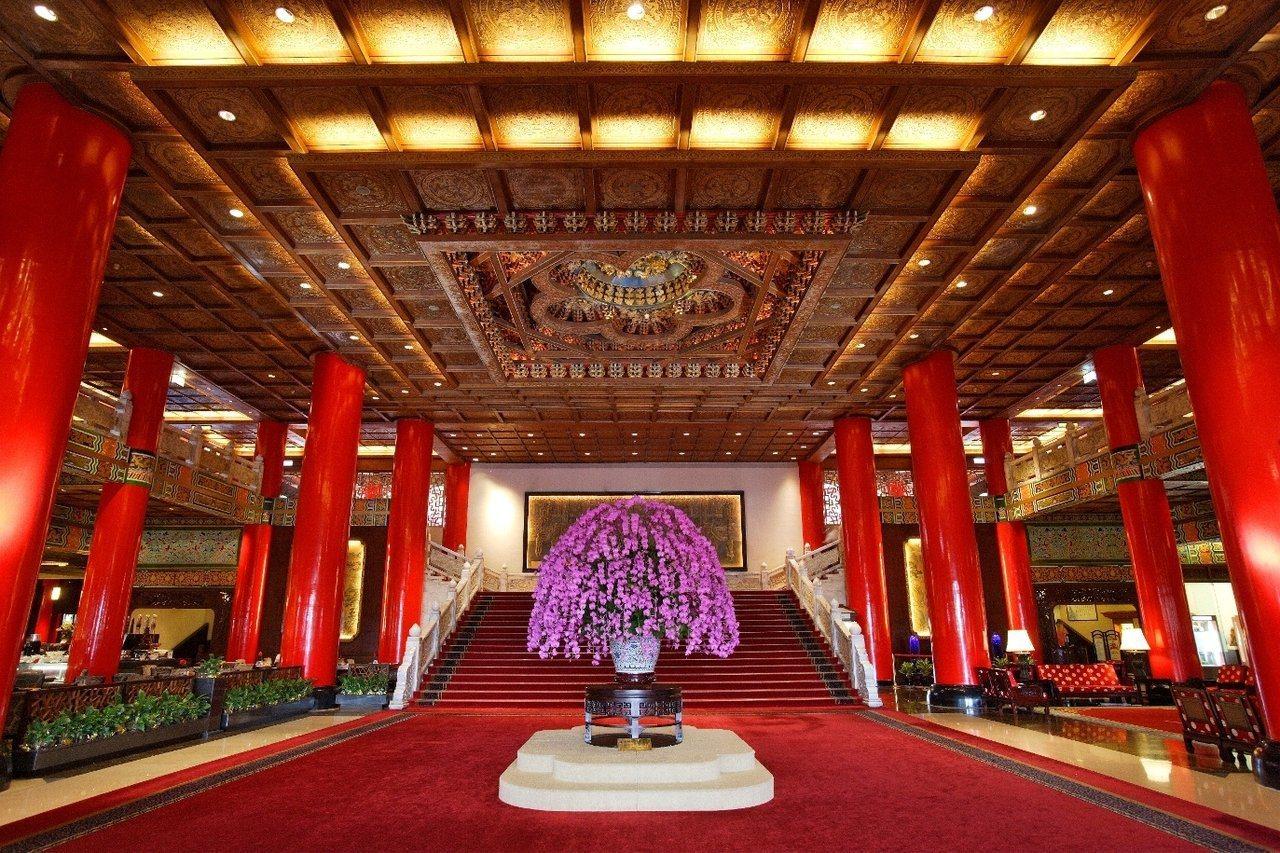 圓山飯店的大廳,處處充滿巧思與故事。 圖/圓山飯店提供