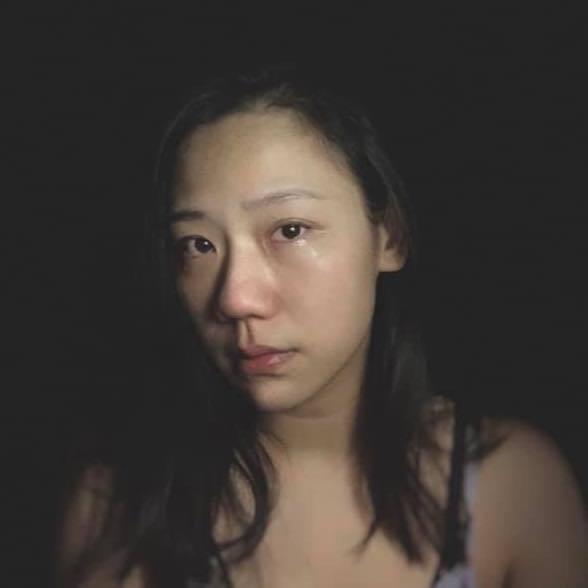 馬妻今天無預警在臉書曬出照片,照片中她彷彿哭過,鼻頭紅透,眼角泛淚,許多網友看了...