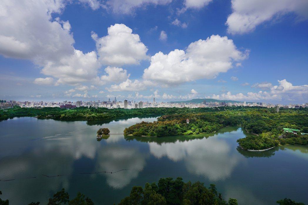住在「景中泱」,獨享這樣的湖光美景。