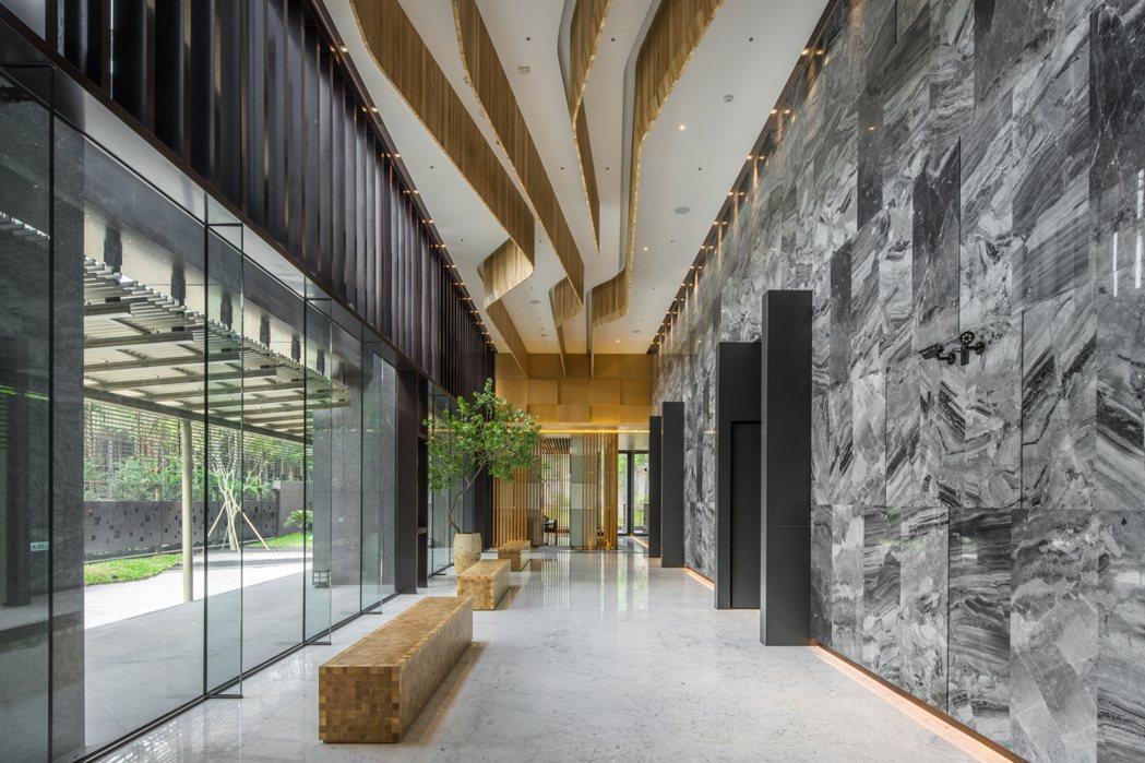 大廳充滿日式禪風。
