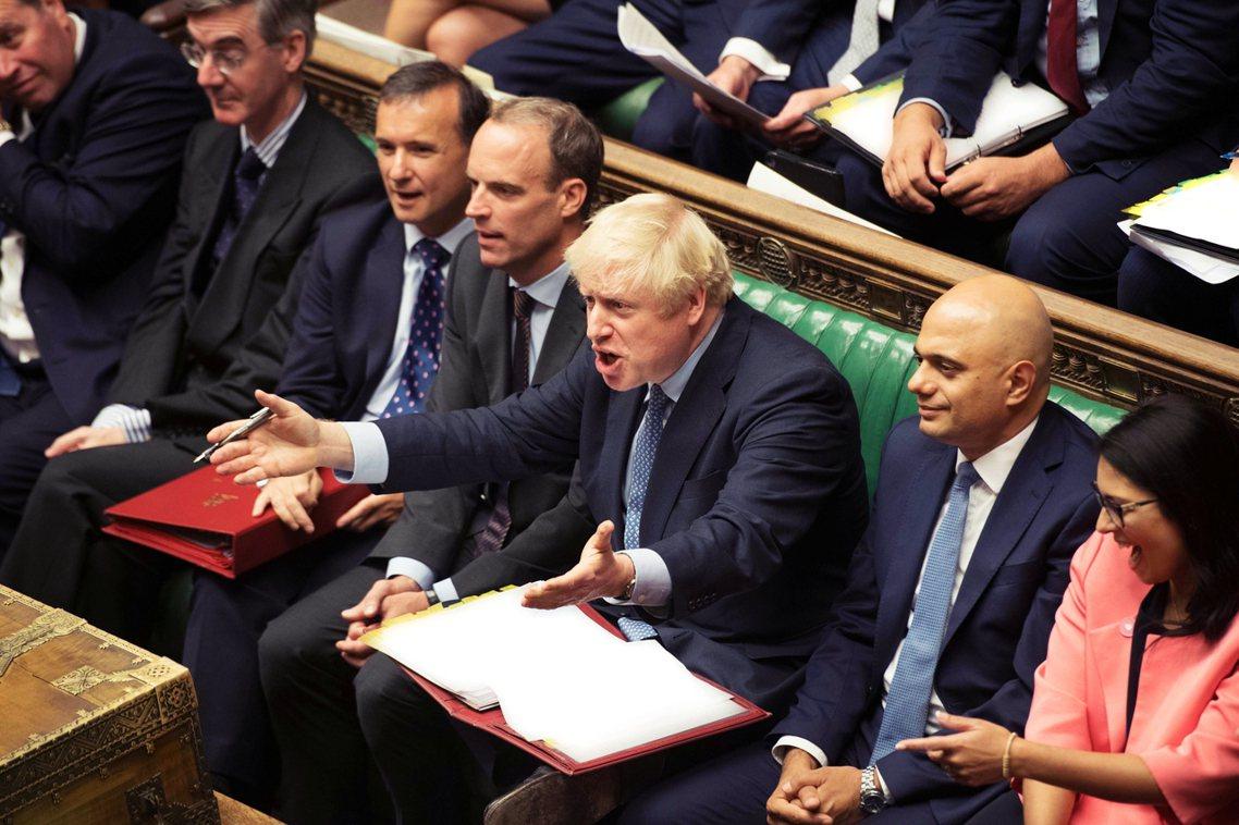 強生認為,自己正為了脫歐談判「拚死運作」,一切都是為了與歐盟方面進行「懦夫博弈」...