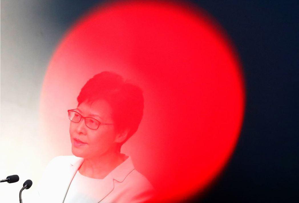香港特首林鄭月娥,9月5日再度召開記者會表明動議撤回逃犯條例。 圖/路透社